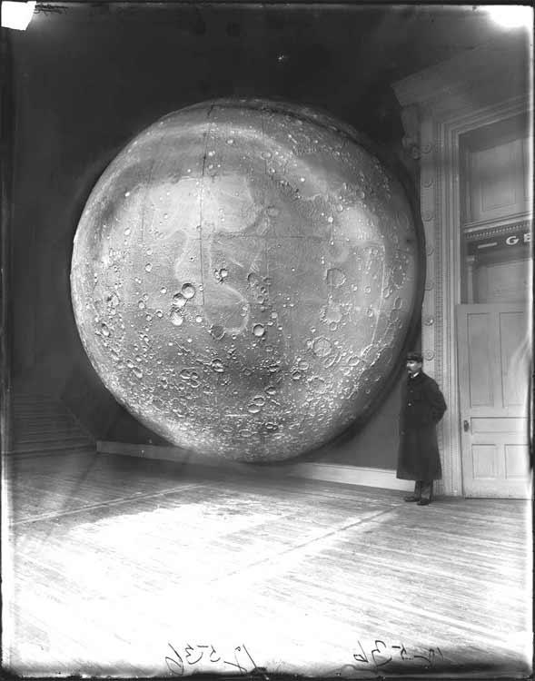 moon-1898