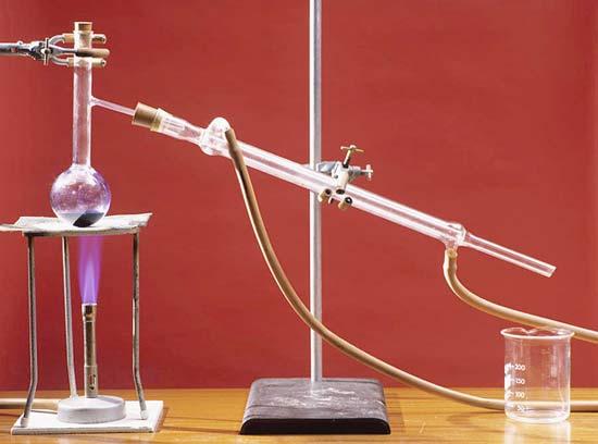 Montaje para destilación